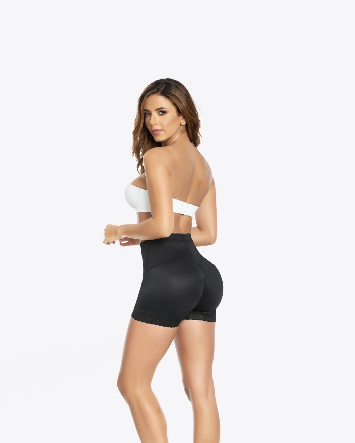 Shorty latex booty long
